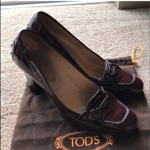 Tod's Patent Leather Burgundy Heels with Buckle